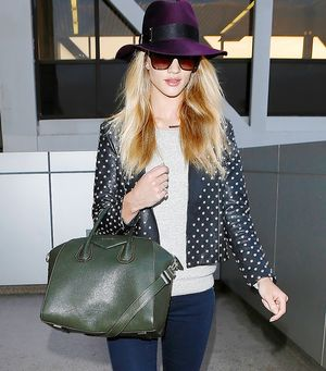 10 Chic Celebrity Airport Looks Topped Off To Perfection