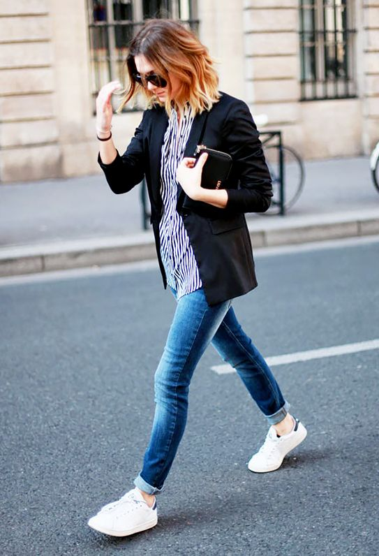 4. Blazer + Blue Jeans + Sneakers