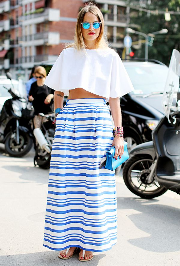We're saving this outfit idea for our next cocktail party: fancy maxi skirt plus crop top plus thong sandals.