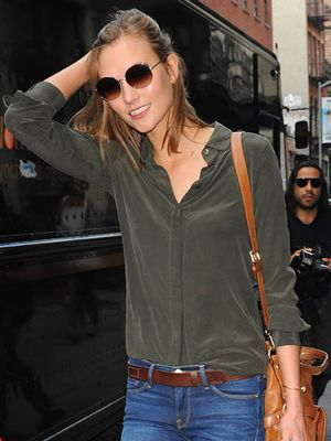Karlie Kloss In Her Newest Design Collab & The Coolest Summer Sandals