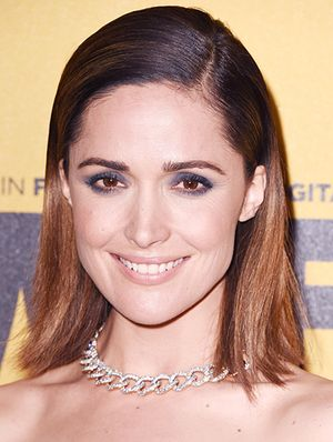 Rose Byrne's Gray-Blue Smoky Eye Is A Total Show Stopper