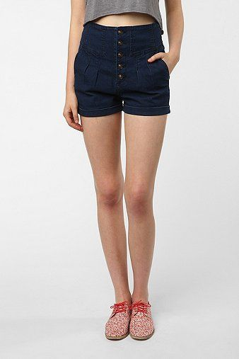 Six Ways To Wear Tailored Shorts This Season Whowhatwear