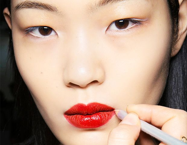 Why You Should Start Using Reverse Lip Liner Today