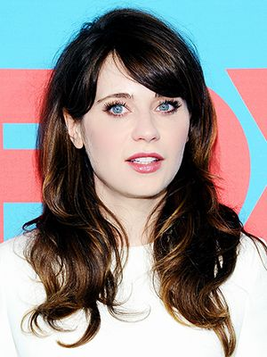Zooey Deschanel Hates This Fashion Girl Behaviour--Are You Guilty?