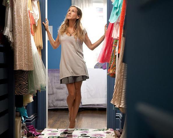 SATC Set Designer Re-Creates Carrie Bradshaw's Iconic Apartment