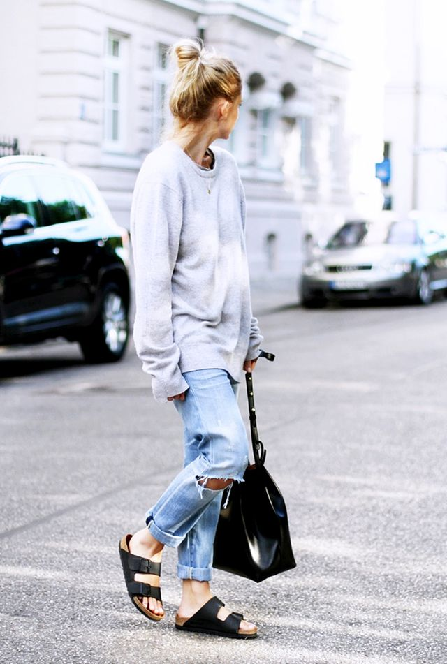 Oversized Sweater + Boyfriend Jeans