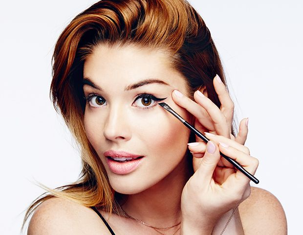 How To Create The Perfect Cat Eye in 4 Steps