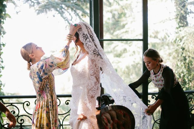 Dreams Come True: Mary-Kate And Ashley Designed A Wedding Dress