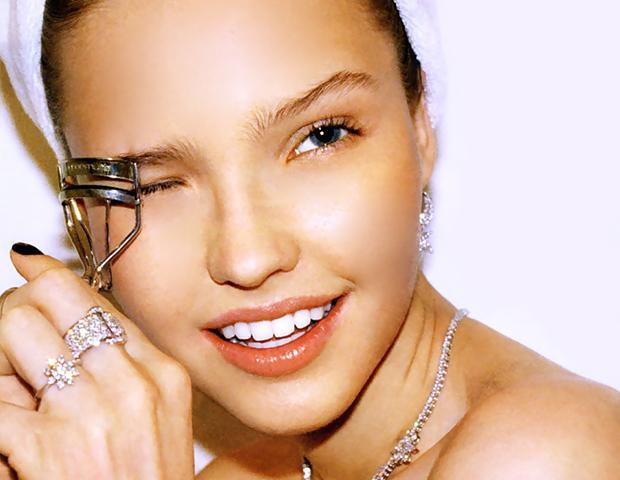 25 Beauty Skills Every Woman Should Master
