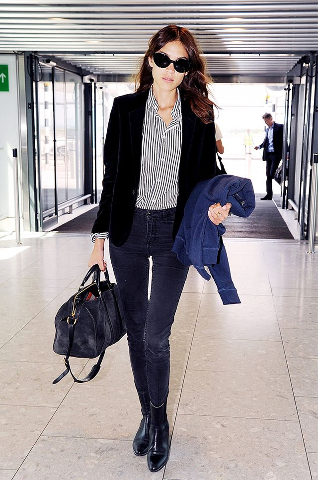 Tip 3: Skinny jeans + a striped shirt are an infallible airport outfit.