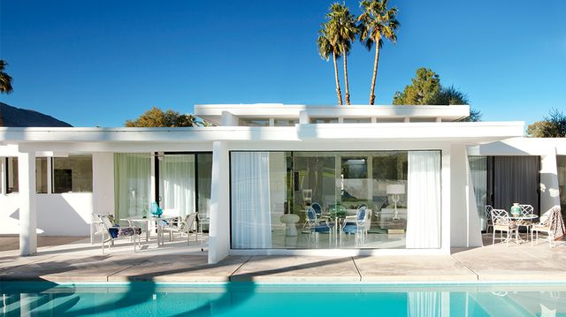 Hot Commodity: A Midcentury <br>Palm Springs Makeover<br />