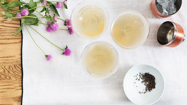 Drink Me: The Bee's Knees