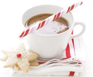 Make This: Martha Stewart's Peppermint Hot Chocolate