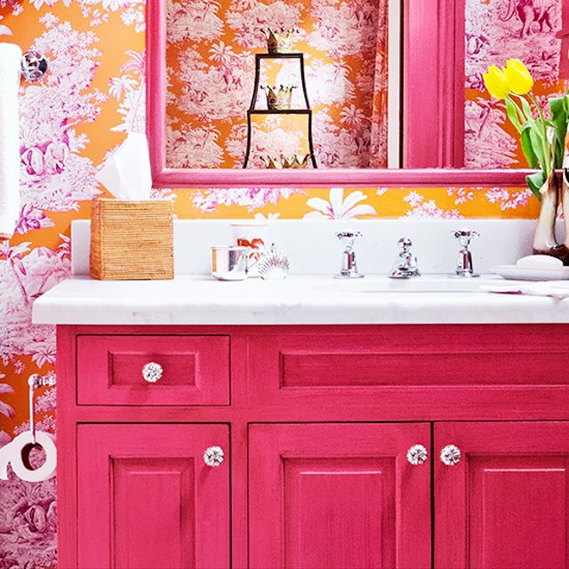 14 Stunning Bathrooms That Make a Big Statement