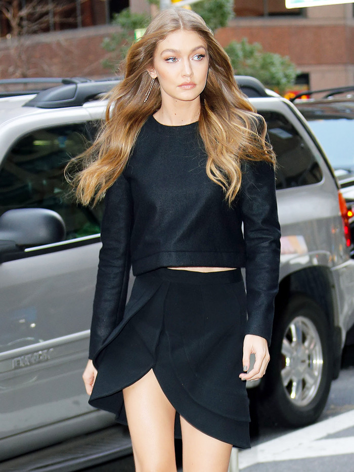 The 9 Items You Need For A Gigi Hadid Closet 15 Minute News