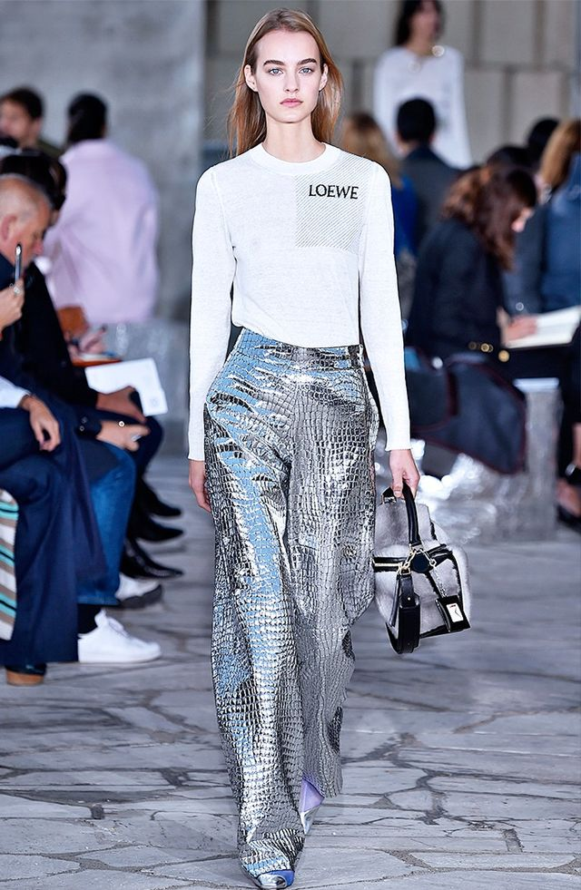 How to Wear the Metallic Trend?