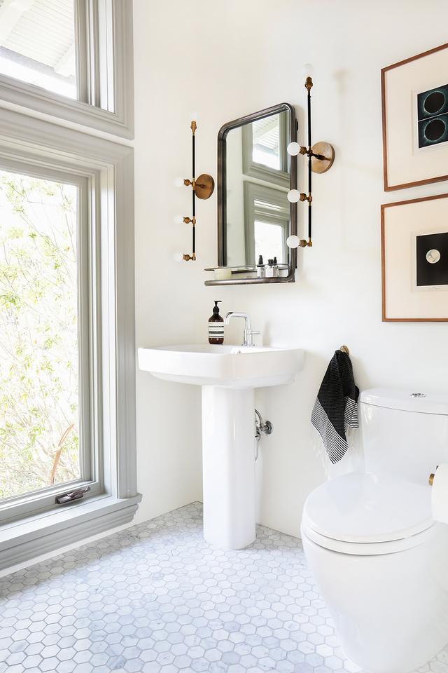 8 Creative Bathroom Lighting Designs that'll make your ...